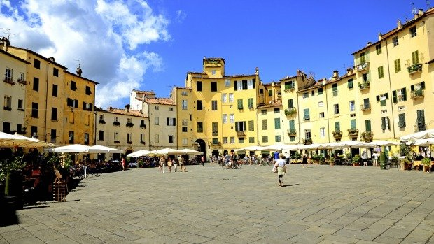 Lucca_Piazza_Arena